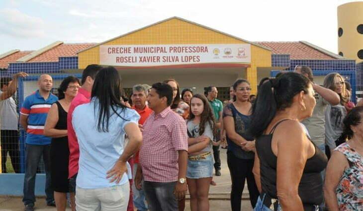 Resultado de imagem para foto creche do Bairro Vila Bela Serra Talhada