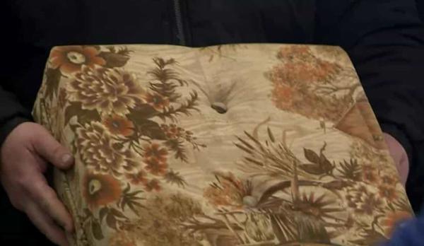 Avô esquece quase 39 mil euros dentro de banco para apoiar os pés